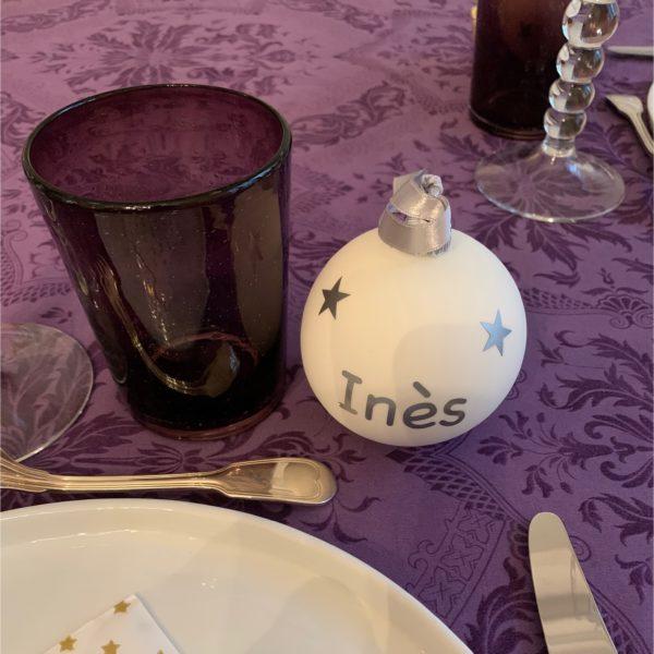 Boules de Noël à table